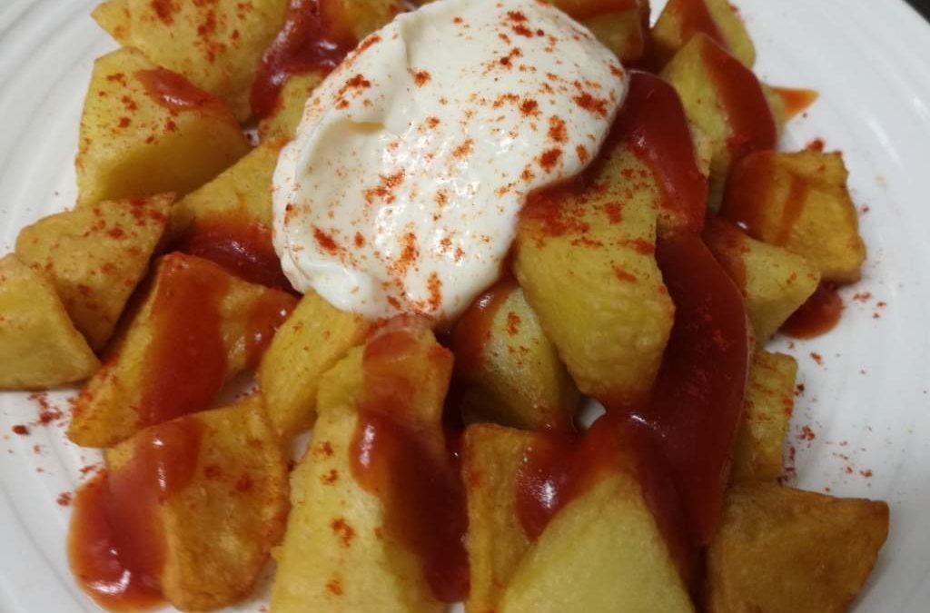 Patatas bravas con all i oli