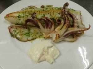 restaurante-marisqueria-valencia-islas-canarias-puerto-ciudad-artes-ciencias-calamar-plancha