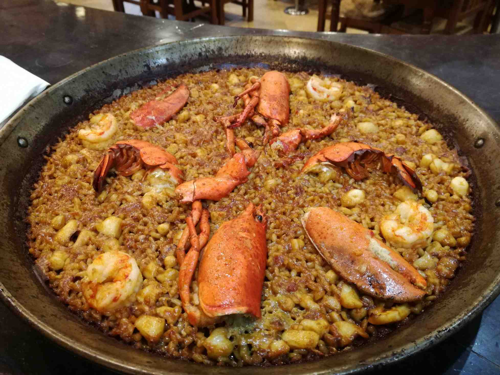 restaurante-marisqueria-valencia-islas-canarias-puerto-ciudad-artes-ciencias-paella-bogavante-2