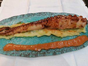 restaurante-marisqueria-valencia-islas-canarias-puerto-ocenaografic-pata-pulpo-plancha